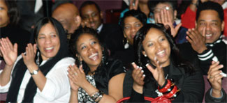 pitts_crowd03-22-2011.jpg