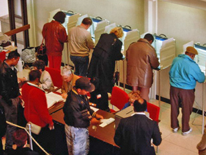 voters_11-06-2012.jpg