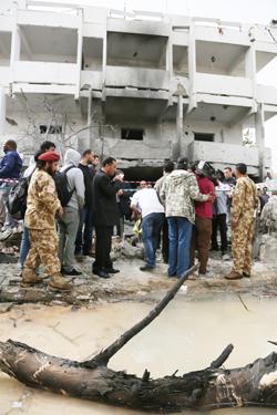 libya_france_embassy_05-07-2013.jpg