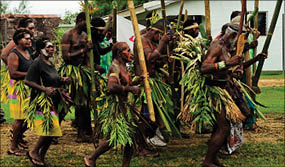 new_guinea_dance_no19_12-10-2103_.jpg