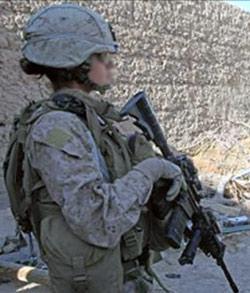 woman_soldier_04-09-2013_2.jpg