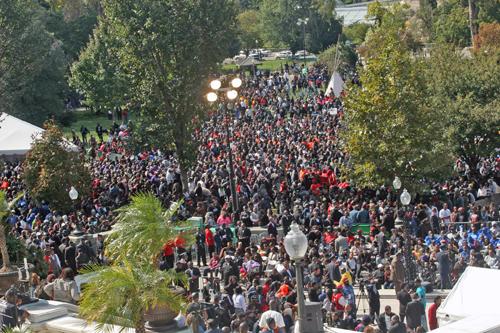 Crowd_-_Andrea_Muhammad_C.jpg