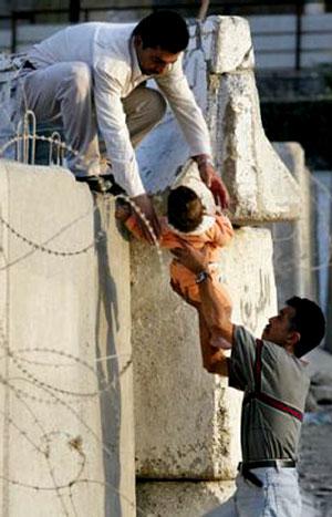 israeli_aparth_wall09-2003.jpg
