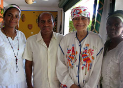 tynnetta_group05-12-2009.jpg