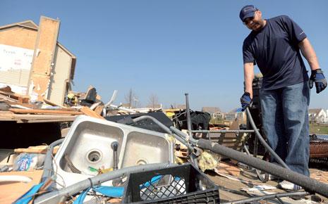 mi_tornado_damage03-27-2012.jpg