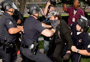 protesters_police11-29-2011.jpg