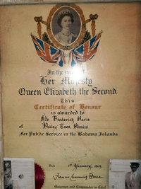 queen_elizabeth_bahamas10-09-2012.jpg