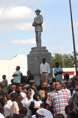 tuskegee_square_crowd_11-05-2013.jpg