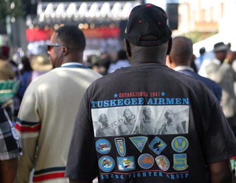 tuskegee_square_crowd_11-05-2013b.jpg