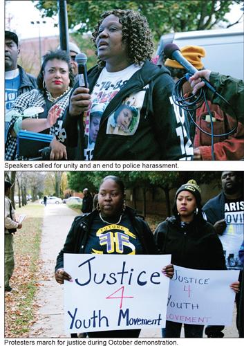demonstrators-chicago11-10-2015e.jpg
