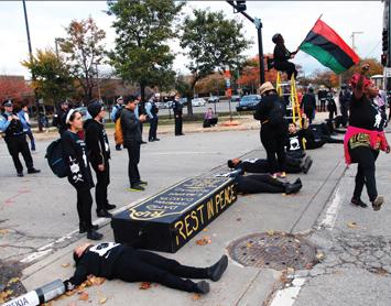 demonstrators-chicago11-10-2015f.jpg