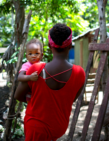 haiti_woman-with-child_08-28-2018b.jpg