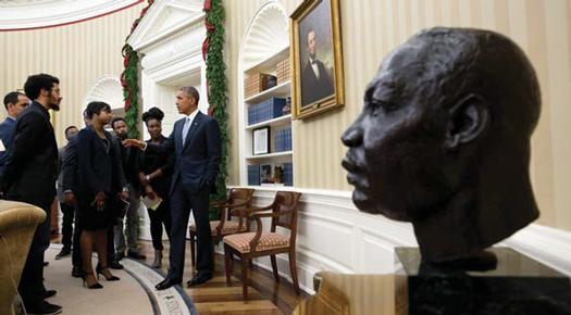 obama-family_01-17-2017b.jpg