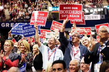 trump_supporters_01-10-2017.jpg