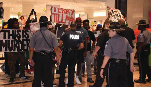 protests-galeria-mall_st-louis_09-24-2019b.jpg